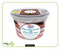 بستنی شکلاتی با رگه های شکلات کاله - 1 لیتر