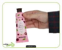 کرم مرطوب کننده ویت یو مدل cherry Blossom حجم 50 میلی لیتر